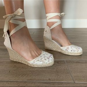 Solids White Lace Espadrilles - sz 7